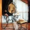 №002 Кованое зеркало с консольным столиком