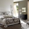 №004 Кованая кровать с кованым креслом
