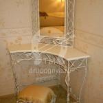 Арт №051 Кованый туалетный столик со стулом и зеркалом