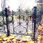 Ритуальная оградка с витыми столбами