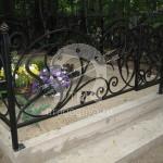 Кованая ритуальная оградка