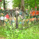 Кованая ритуальная оградка с розами