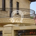 Арт №048 Кованый балкон в готическом стиле