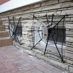 Арт №024 Сварная решетка на цокольное окно